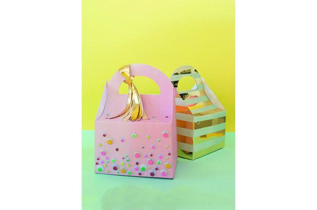 Wrap gift - oh joy 1
